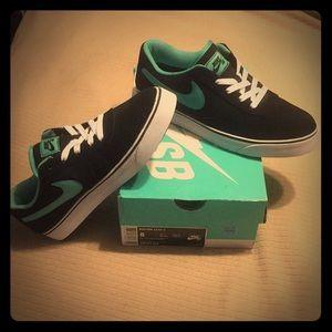 Nike Mavrk Low 2 Sneakers